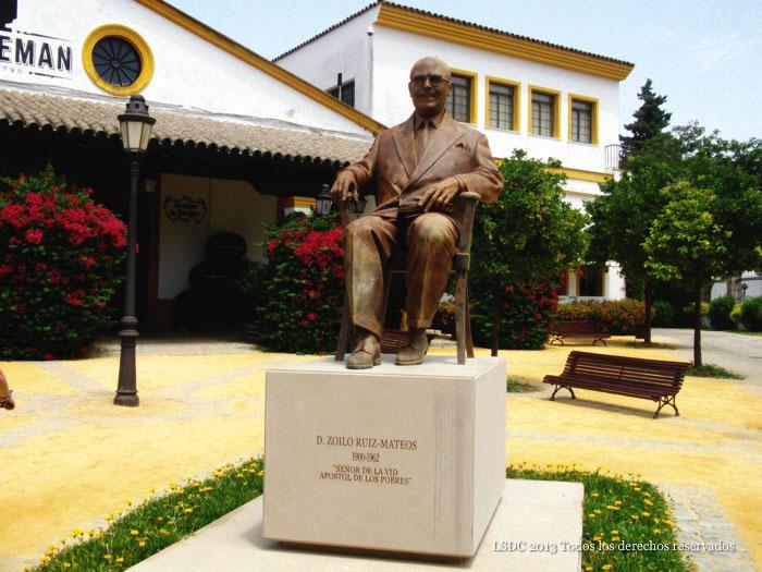Monumento a Zoilo Ruiz Mateos