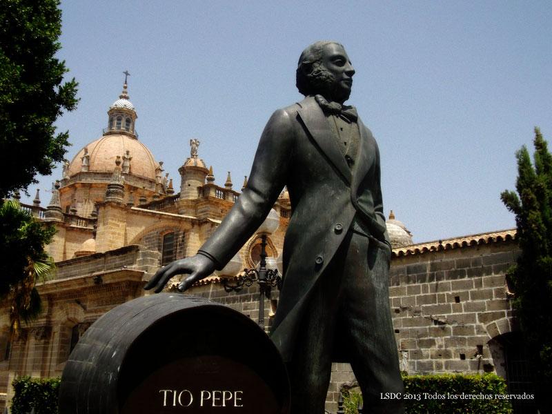 Monumento a Manuel María González Ángel