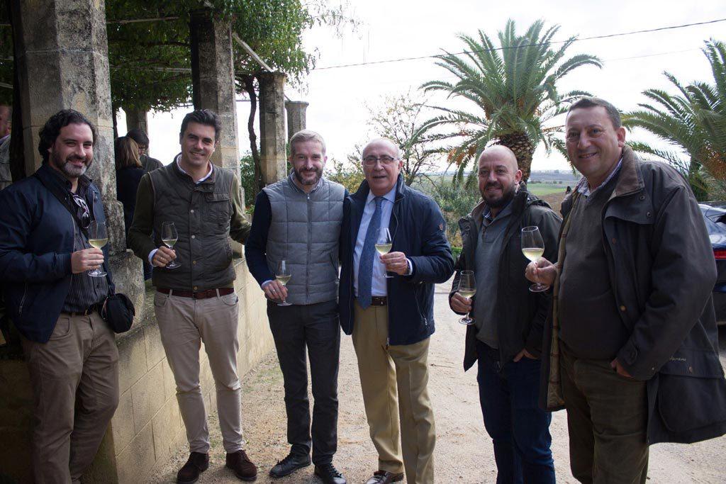 De izquierda a derecha; Francisco José Becerra, Willy Pérez, Armando Guerra, Antonio Flores,Ramiro Ibáñez y Guillermo Manuel de Villena.