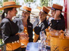 azafatas La Guita en la Feria de Abril
