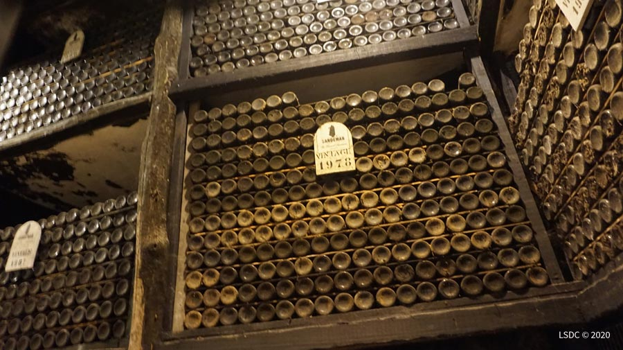 Botellas de Oporto Vintage de las Bodegas Sandeman