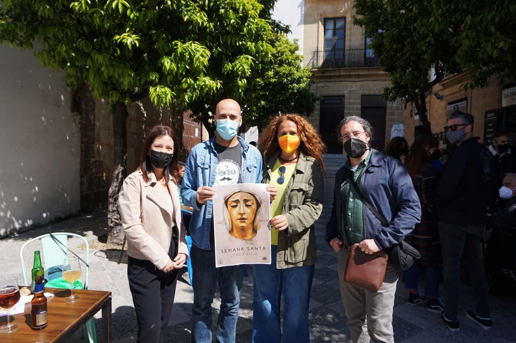 Francisco e Inma de La Sacristía del Caminante junto a Luz y Jaime de Tabanco Plateros y La Frontera de Jerez.
